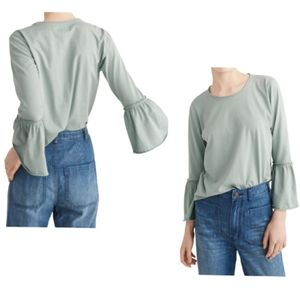 Abercrombie & Fitch| Top Green Bell Sleeves